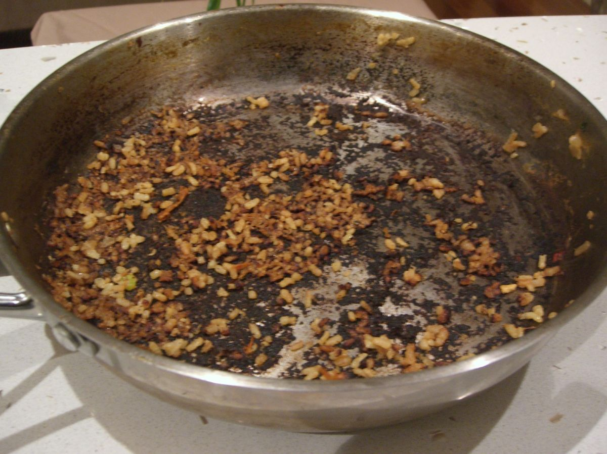 Burnt stainless steel pan: the quick and easy remedy